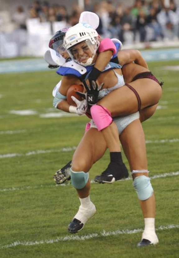 girls_football_3