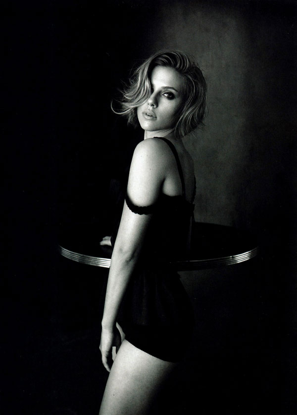 Scarlett-Johansson-Vogue-China-4