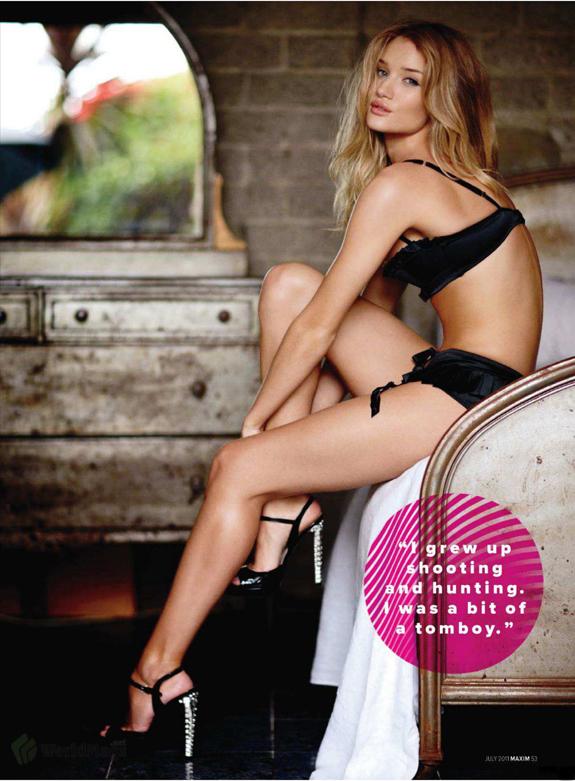 Rosie-Huntington-Maxim-16