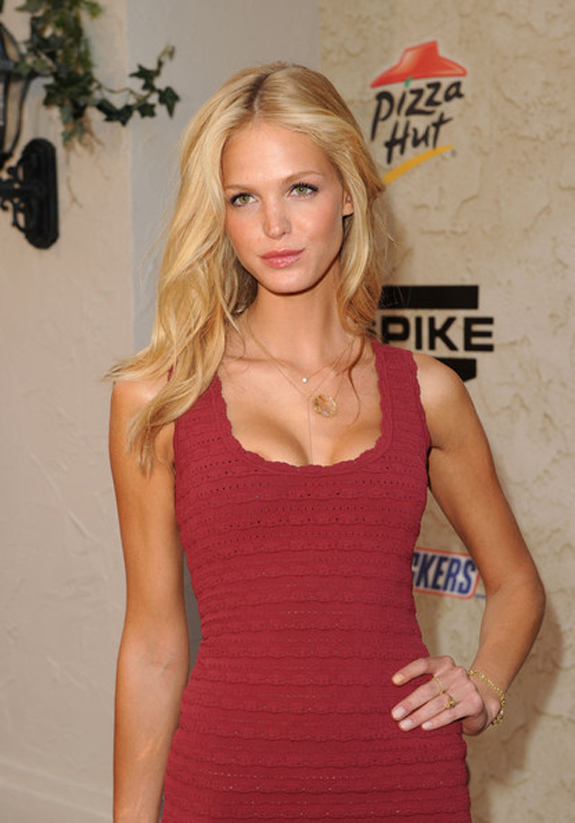 Spike_TV_2011_Guys_Choice_Awards_Erin_Heatherton_2