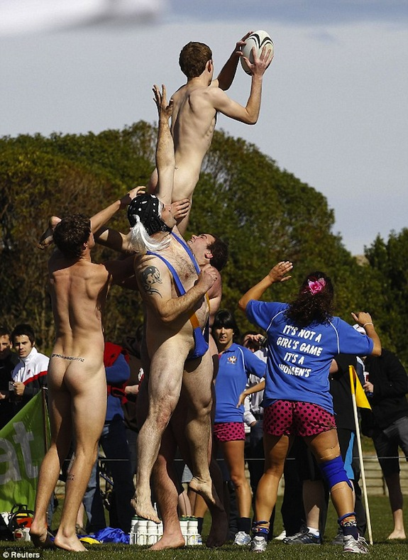 naked-rugby