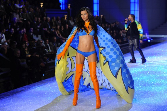 Kanye West Model Adriana Lima Victoria's Secret Fashion Show 2011