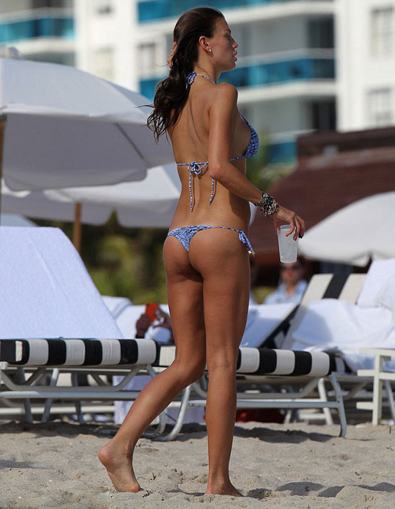 Claudia Galanti Bikini Photo Miami Christmas