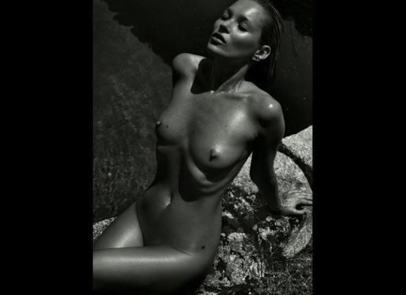 Kate-Moss-Nude-Pirelli-Calendar