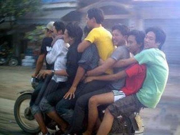1 Bike 8 Riders