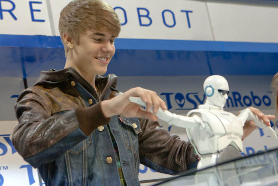 Justin Beiber CES Electronic Show Robot