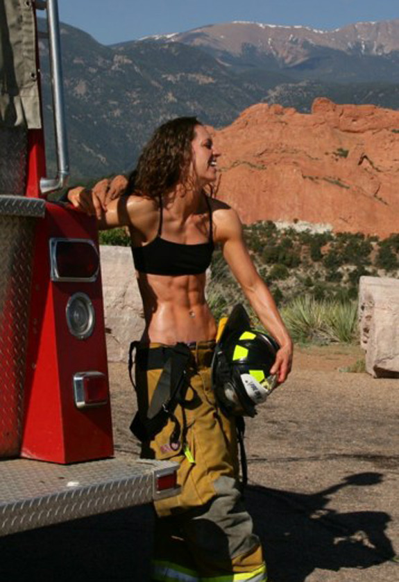 Daily ABspiration For The Fellas Who Like Hot Chicks With Even Hotter Abs Firewoman