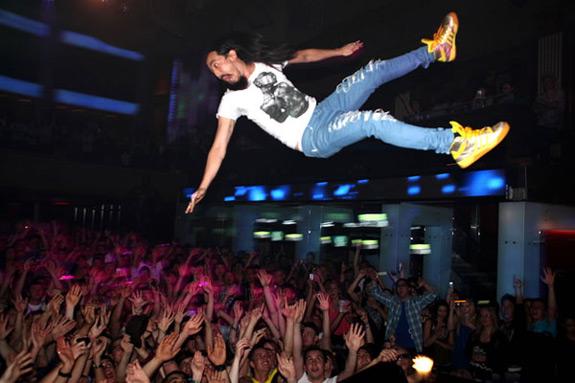 Steve Aoki Stage Show