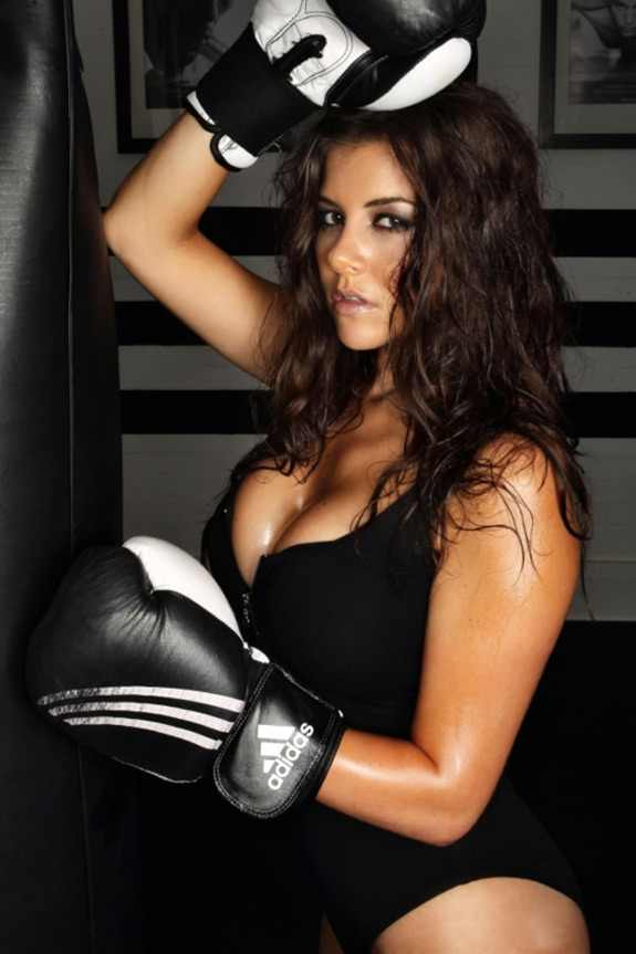 Sexy Photo Boxing Kitten