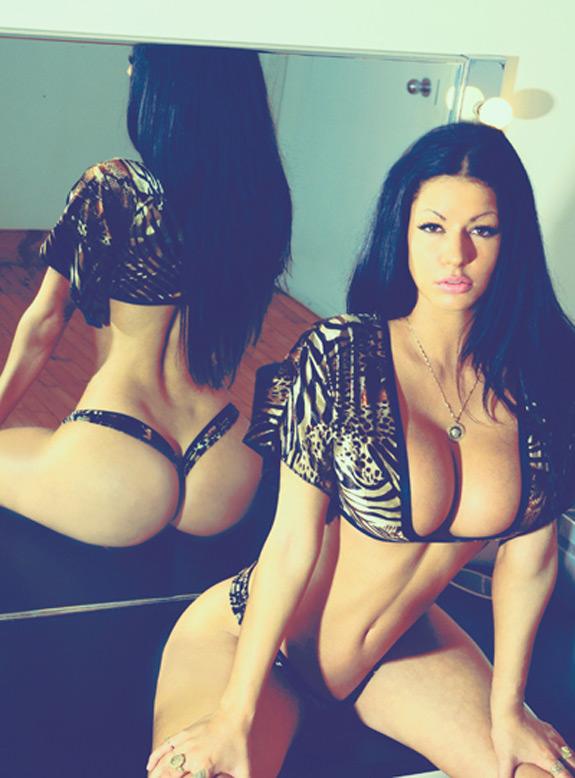 Sexy Photo Malicia Monroe