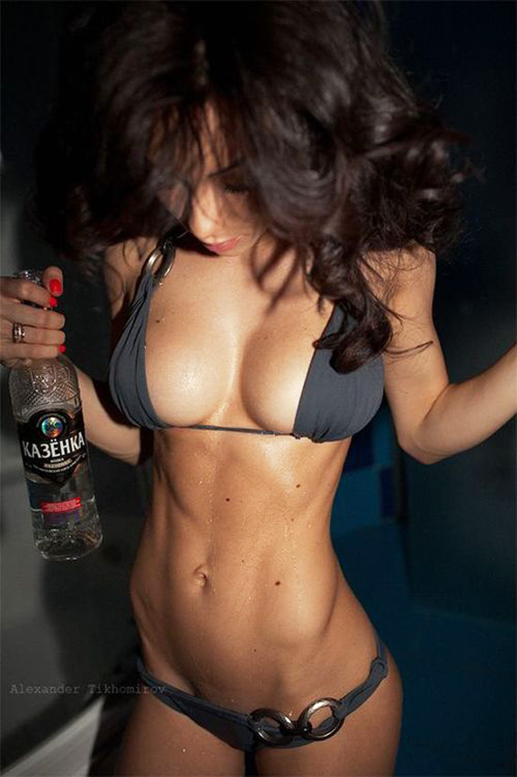 Daily Abspiration Hot Chicks Hot Abs Vodka