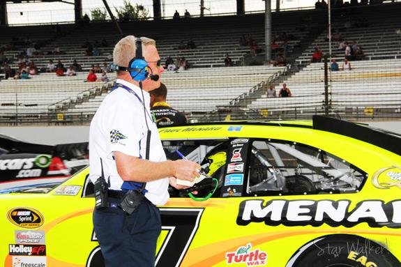 NASCAR Practice Paul Menard
