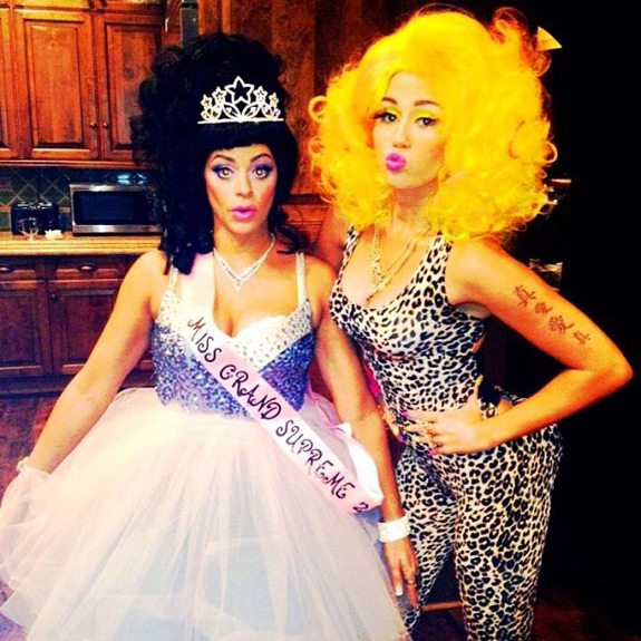 Halloween Pictures Photos Miley Cyrus Nicki Minaj