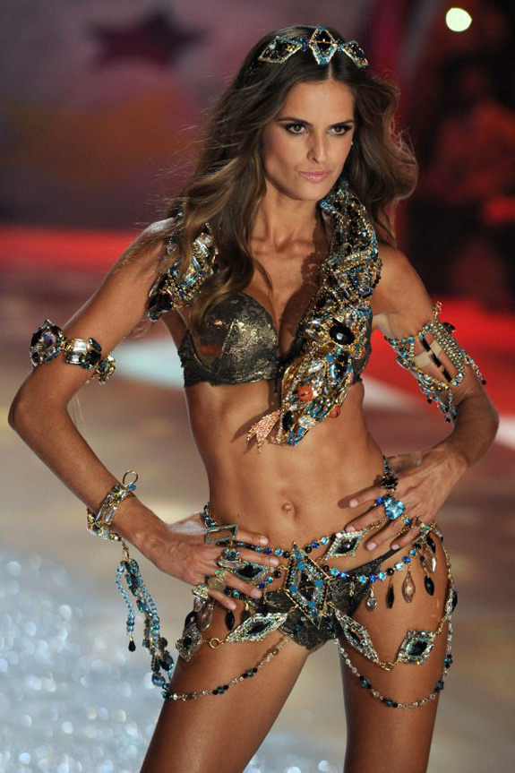 Victoria's Secrets Fashion Show 2012 (19)