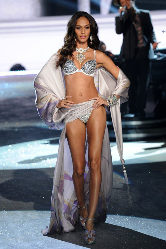 Victoria's Secrets Fashion Show 2012 (21)
