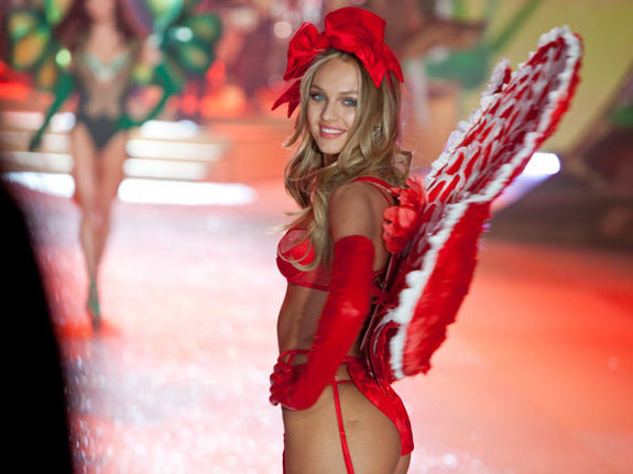 Victoria's Secrets Fashion Show 2012 (30)