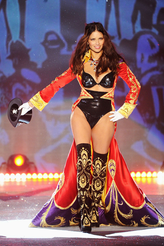 Victoria's Secrets Fashion Show 2012 (34)
