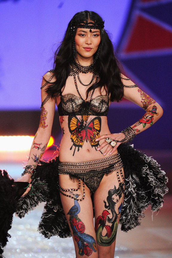 Victoria's Secrets Fashion Show 2012 (40)