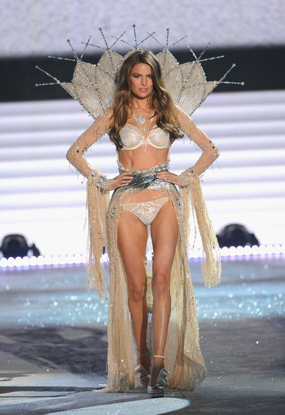 Victoria's Secrets Fashion Show 2012 (45)