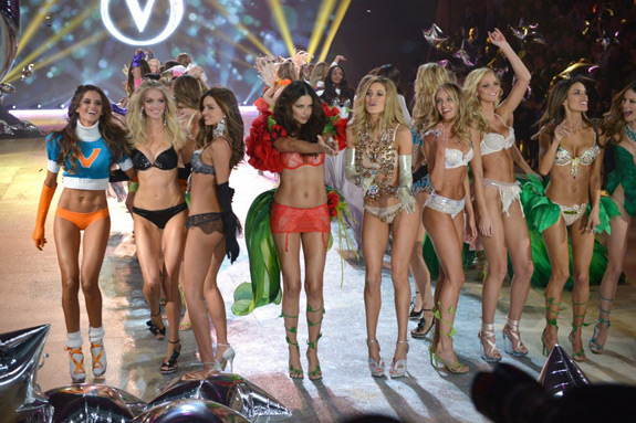 Victoria's Secrets Fashion Show 2012 (50)