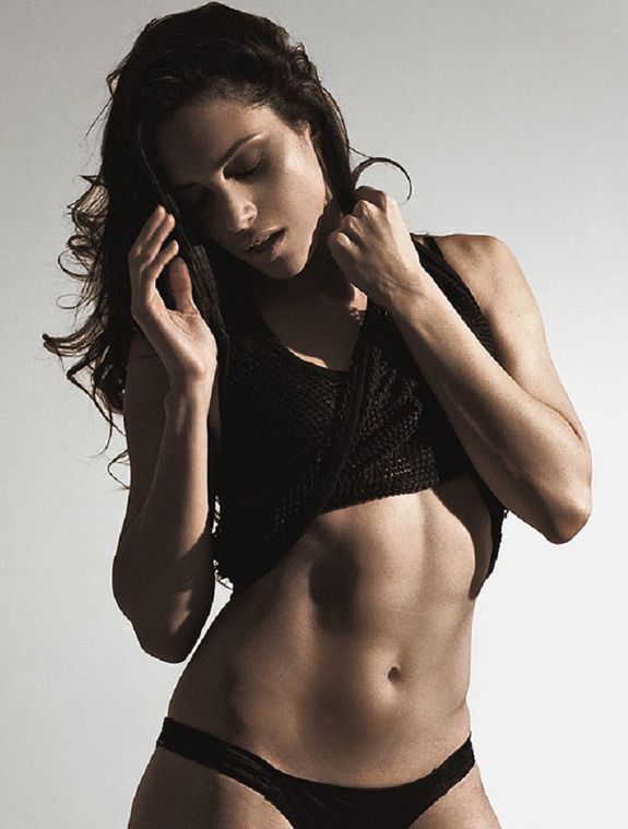 Daily Abspiration Hot Chicks Hot Abs Christine Ann Juarbe