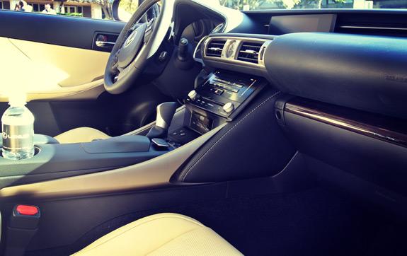 2014 Lexus IS Photos (8)