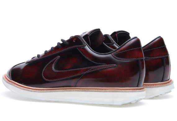Nike 1972 Qs Deep Red