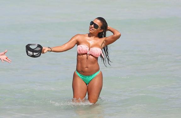 Vida Guerra Bikini Beach (7)