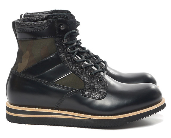 BePostitive Army Boot Black