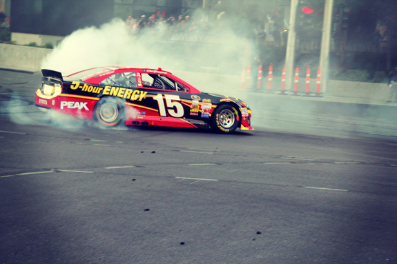 NASCAR Vegas Champions Week Bowyer Lap 32