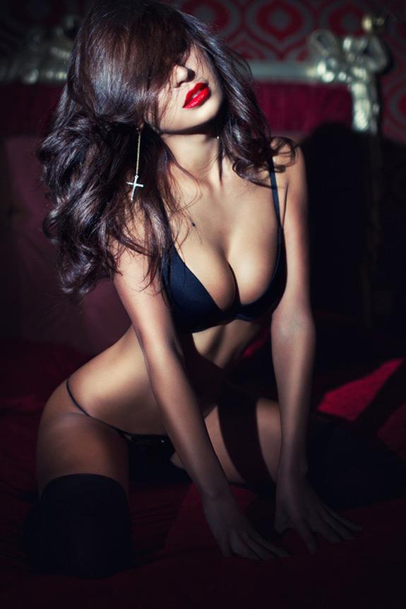Sexy Photo Alba Zalyai
