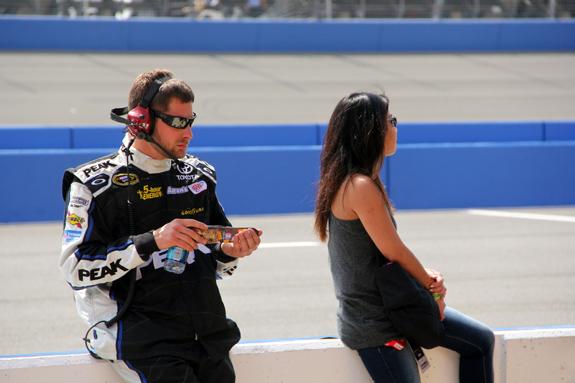 NASCAR Auto Club 400 Fontana 27