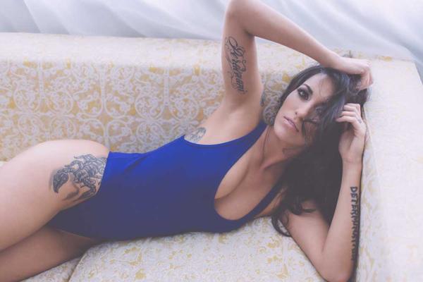 Sexy Photo Laura Elisa