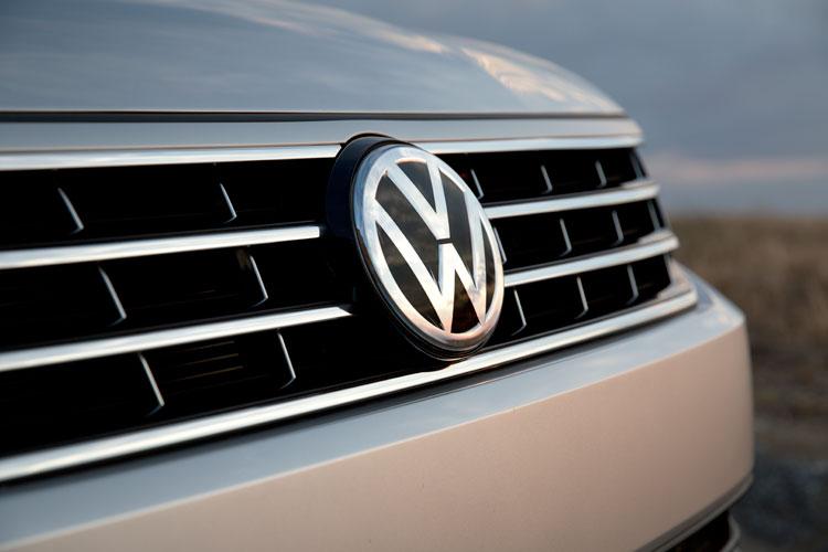2016 VW Passat Exterior Grille