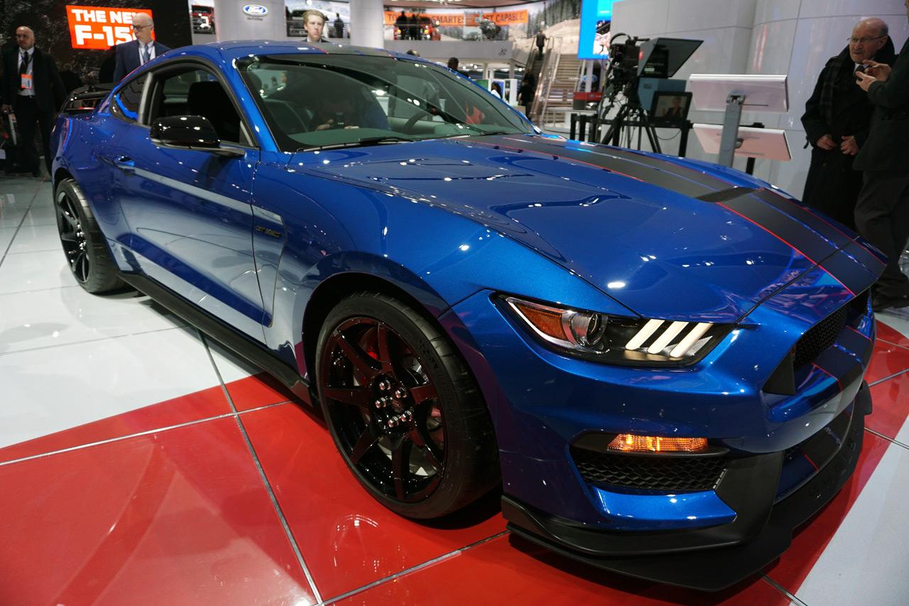 Ford Auto Show Virtual Reality Automobility 8