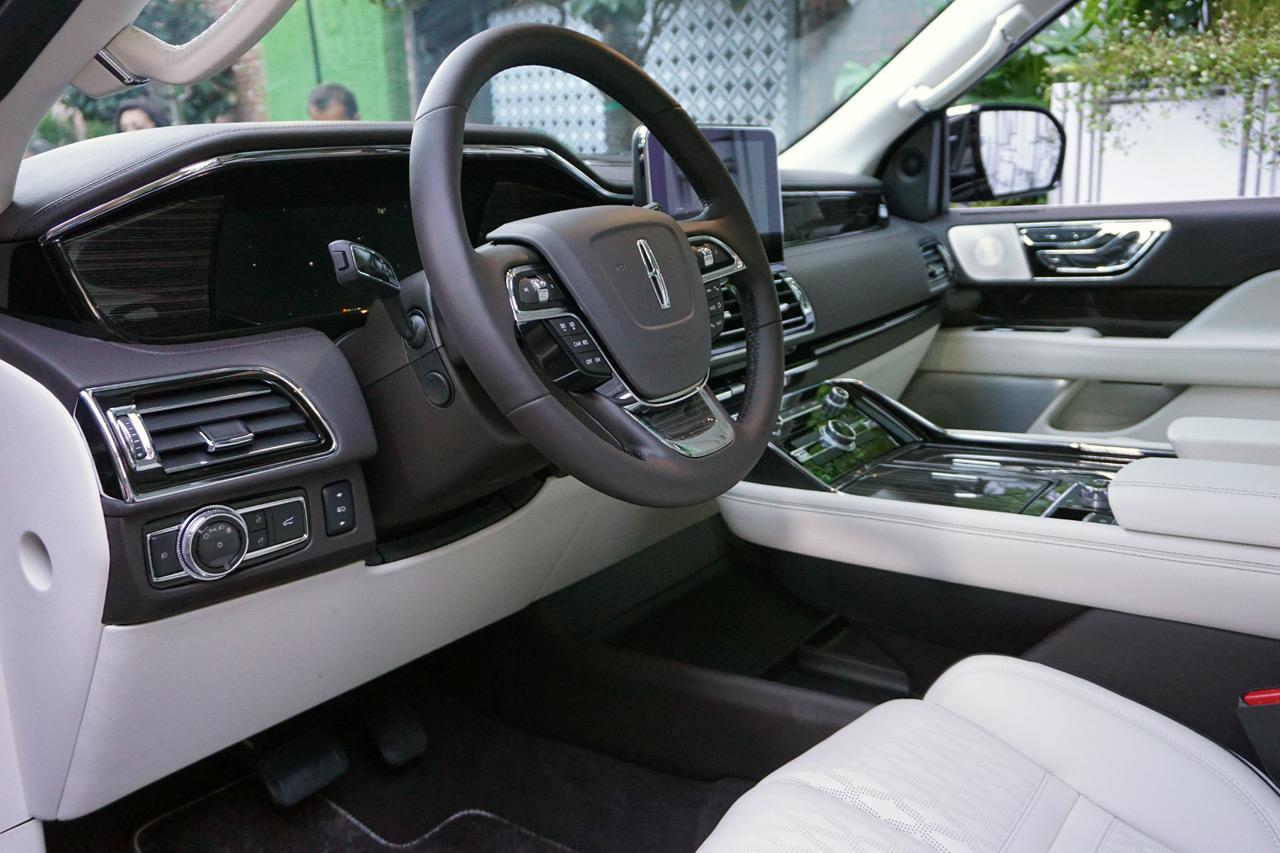 Lincoln Navigator 5