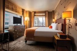 Deluxe Corner King Soho Grand Hotel