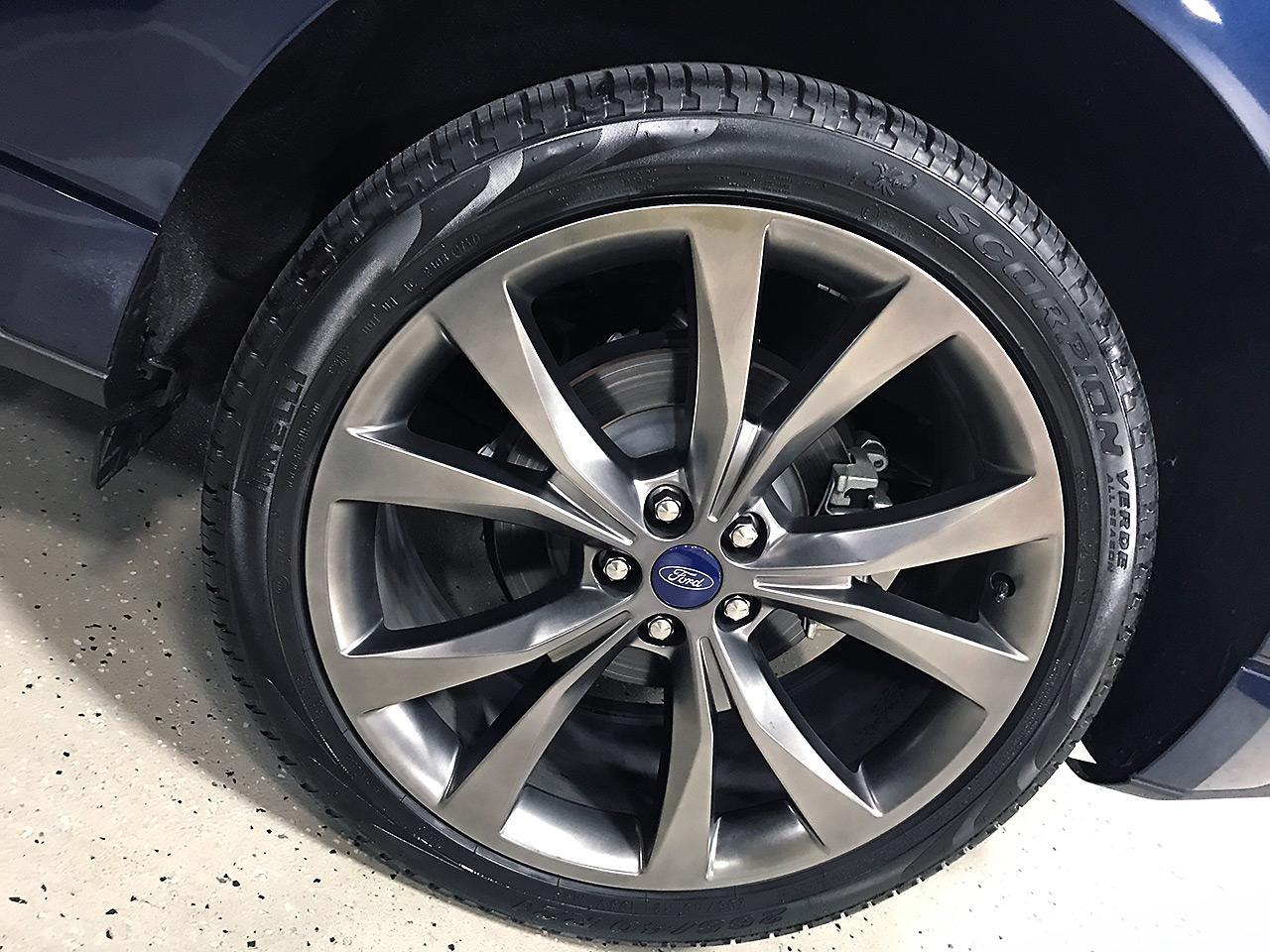 Ford Edge Suv Compact Tire 2